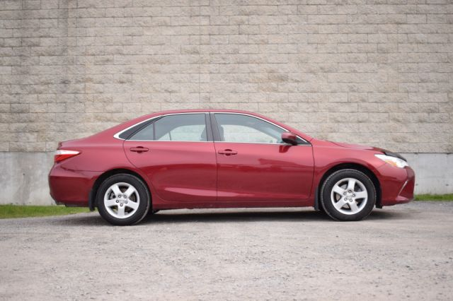 2015 Toyota Camry LE  | BLUETOOTH | BACK UP CAM |