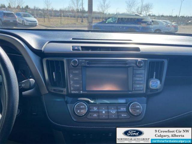 2015 Toyota RAV4 XLE   XLE  AWD  SUNROOF  CLOTH  - $181 B/W