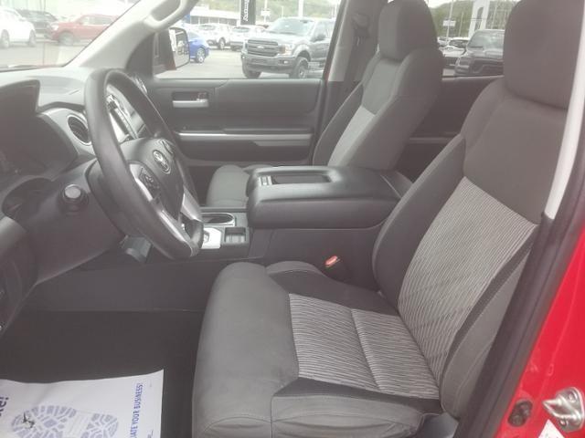 2015 Toyota Tundra CrewMax 5.7L V8 6-Spd AT SR5