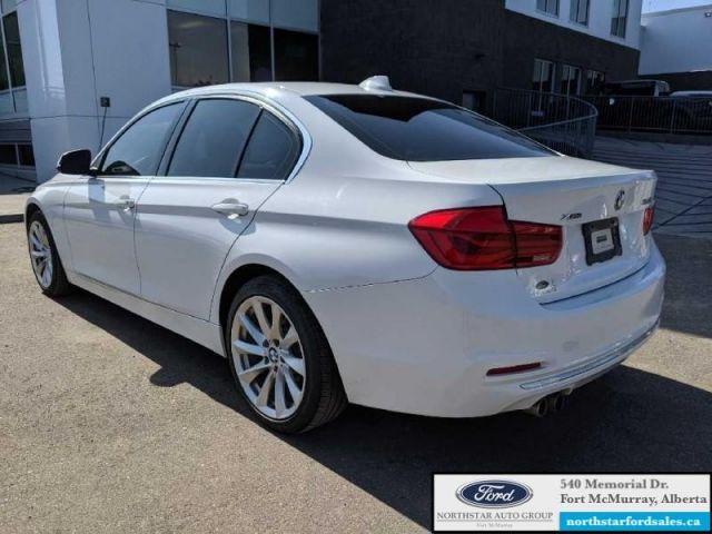 2016 BMW 3 Series 328i xDrive  |2.0L|Nav|Moonroof