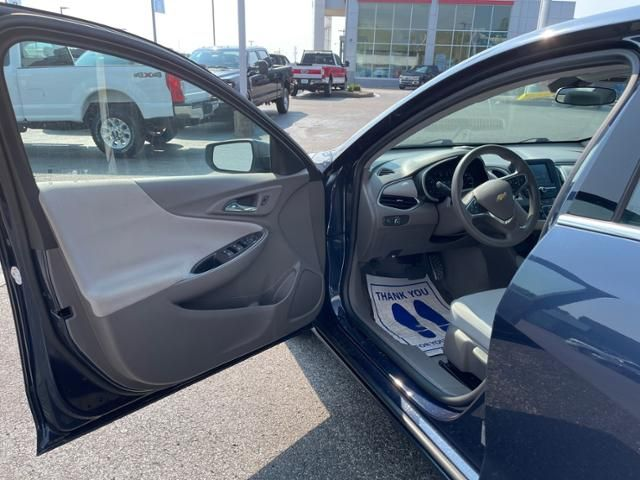 2016 Chevrolet Malibu 4dr Sdn LS w/1FL