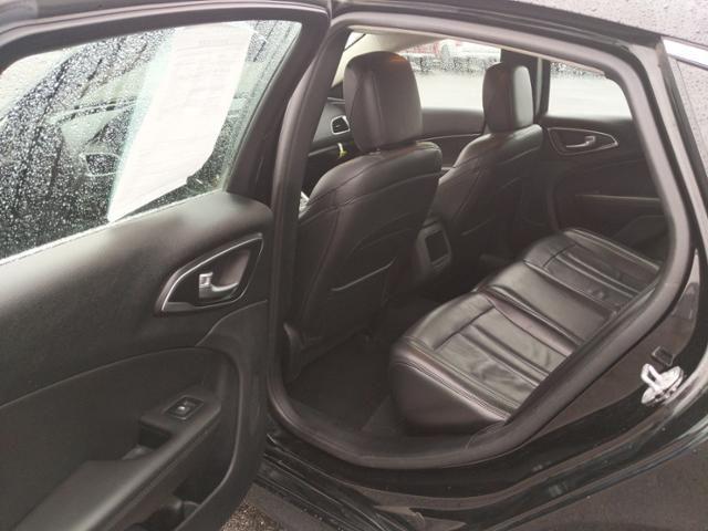 2016 Chrysler 200 4dr Sdn Limited Platinum FWD
