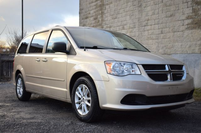2016 Dodge Grand Caravan SXT  BACK UP CAM | SIRIUSXM READY | DUAL CLIMATE CONTROL | REAR