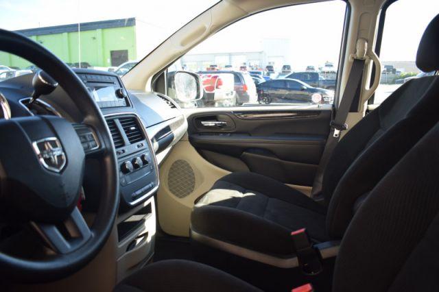 2016 Dodge Grand Caravan Canada Value Package    DUAL CLIMATE  