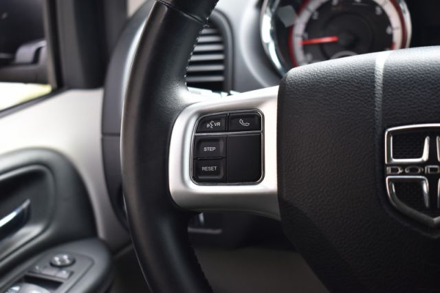 2016 Dodge Grand Caravan SXT  BACKSEAT CLIMATE CONTROL | STOW & GO