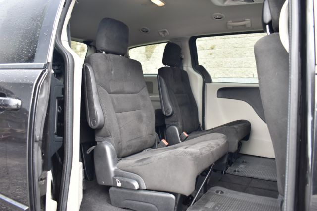 2016 Dodge Grand Caravan SXT  BACKSEAT CLIMATE CONTROL   STOW & GO