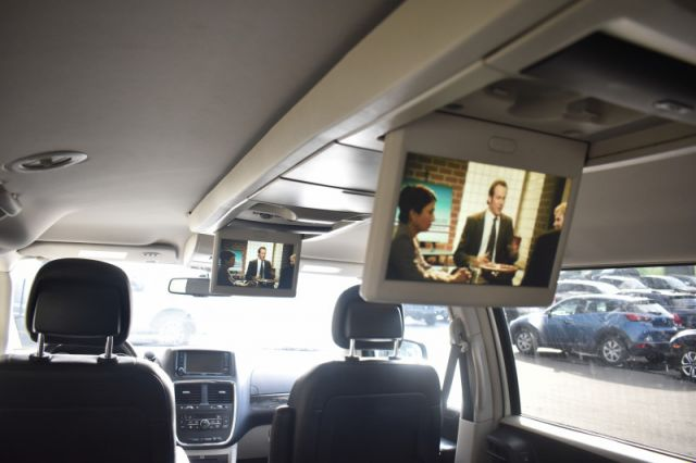 2016 Dodge Grand Caravan Crew Plus  | HEATED WHEEL | LEATHER | DVD |