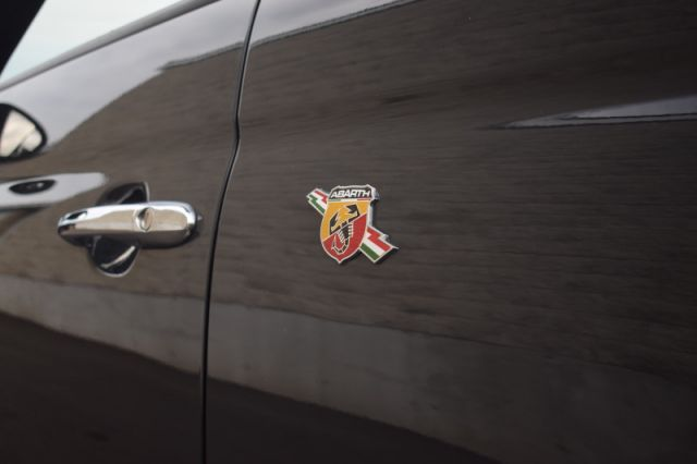 2016 Fiat 500 Abarth  -  Uconnect