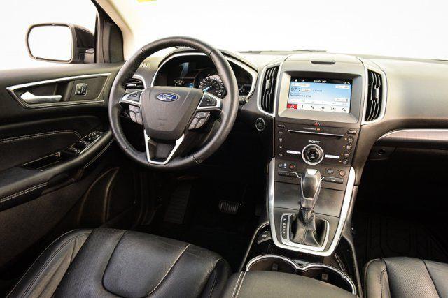 2016 Ford Edge Titanium / HEATED LEATHER / MOON ROOF / BLIS / NAV