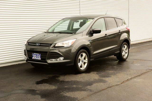 2016 Ford Escape SE / Accident Free / Backup Cam / Bluetooth