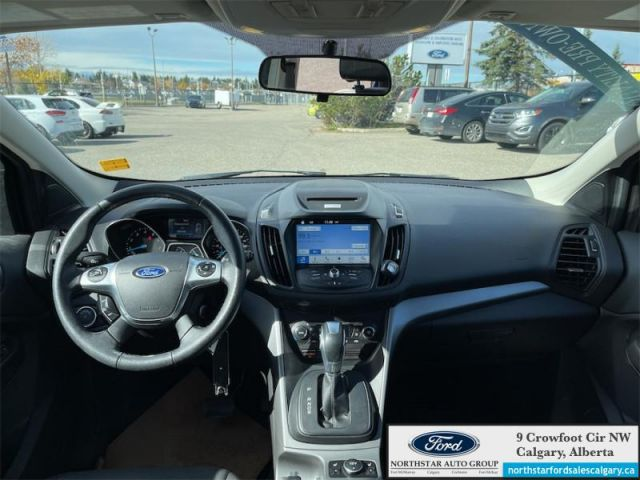 2016 Ford Escape SE    LEATHER  MOONROOF  NAV  AWD  - $165 B/W
