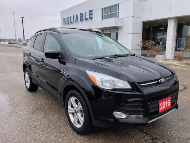 2016 Ford Escape SE  /Navigation/Remote Start/Heated Seats