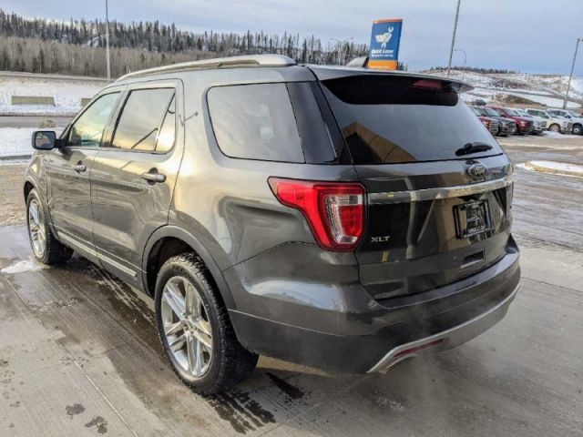 2016 Ford Explorer XLT AWD   2 YEARS / 40,000KMS POWERTRAIN WARRANTY INCLUDED