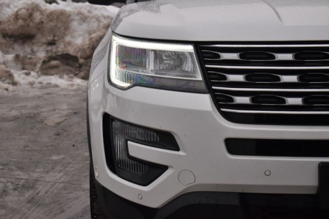 2016 Ford Explorer Limited    AWD   MOONROOF