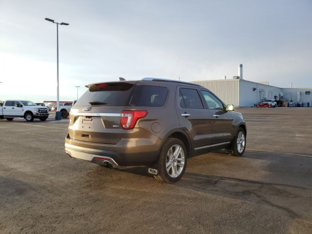 2016 Ford Explorer Limited  $115 / WK
