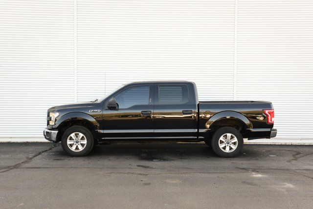 2016 Ford F-150 XLT / ACCIDENT FREE / ONE OWNER / LOW KMs