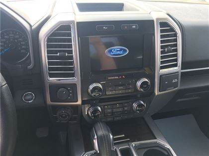 2016 Ford F-150 Platinum, Local, 0ne Owner*