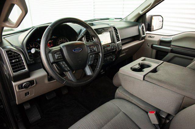 2016 Ford F-150 XTR / BACK UP CAM / NAV / TRAILER TOW PKG
