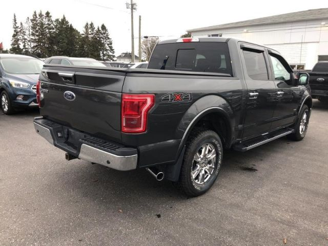 2016 Ford F-150 LARIAT- LOW MILES/ NAV/