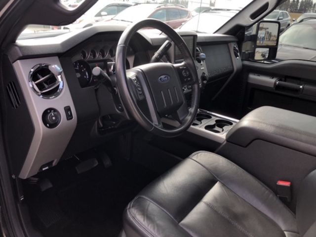 2016 Ford F-250 Super Duty Lariat  /Diesel/Leather/Navigation/Sunroof/Remote Start