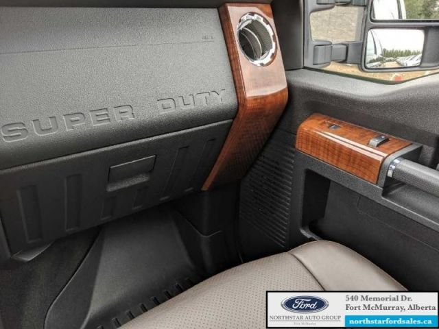 2016 Ford F-350 Super Duty King Ranch  |6.7L|Rem Start|Nav|Moonroof|FX4 Offroad Pkg