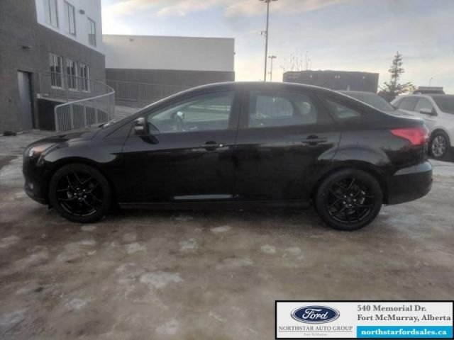 2016 Ford Focus SE   1.0L Moonroof Winter Pkg Low Mileage