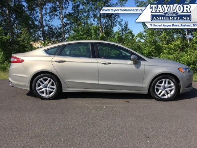 2016 Ford Fusion SE  - One owner - Local - Trade-in - $58.74 /Wk