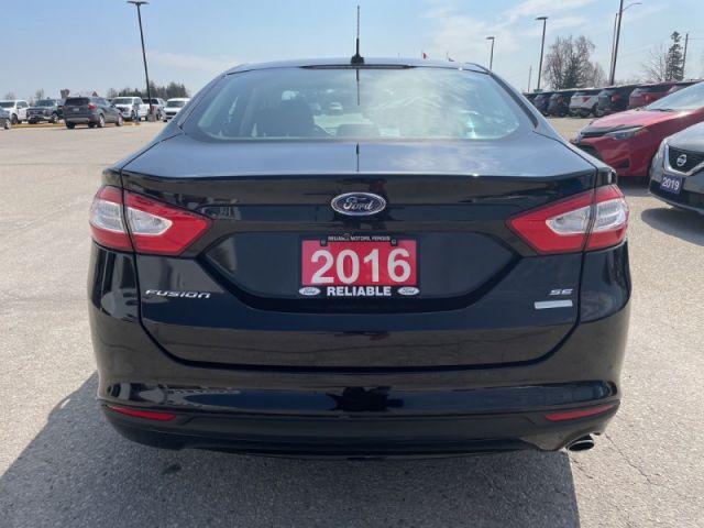 2016 Ford Fusion SE  - Sunroof - Navigation