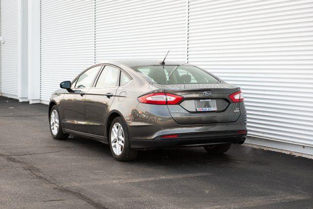 2016 Ford Fusion SE / TECH / BACK UP CAM / NAV /