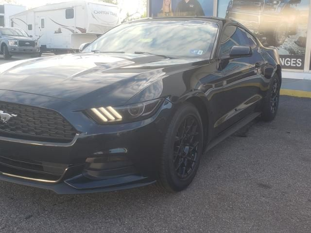 2016 Ford Mustang 2dr Fastback V6