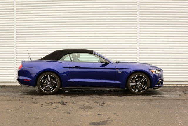2016 Ford Mustang GT Premium / Auto / Accident Free / Leather Heated