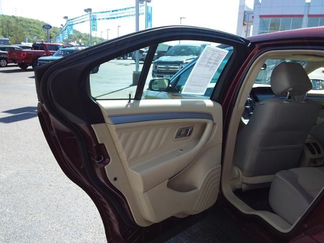 2016 Ford Taurus 4dr Sdn SEL AWD