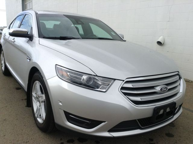 2016 Ford Taurus 4 Door Car