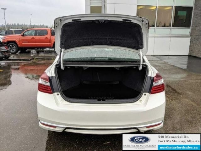 2016 Honda Accord Sedan EX-L   2.4L Rem Start Moonroof Adaptive Cruise