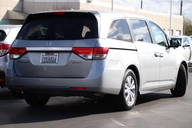 2016 Honda Odyssey Passenger Van SE