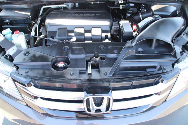 2016 Honda Odyssey Passenger Van EX-L