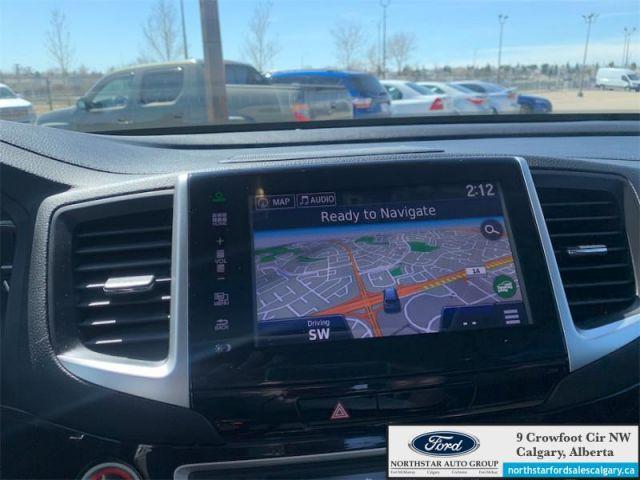2016 Honda Pilot Touring   LEATHER  SUNROOF  DVD  TORUING  7 SEATER  - $260 B/W