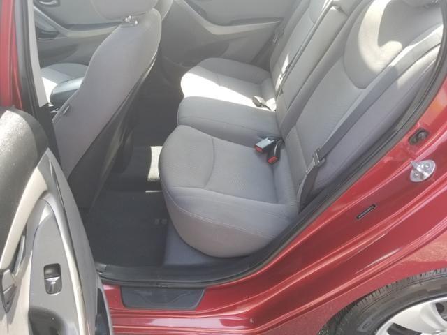 2016 Hyundai Elantra 4dr Sdn Auto SE
