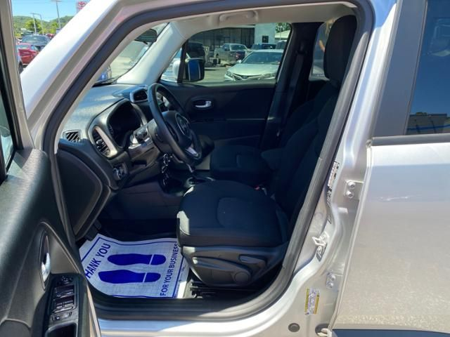 2016 Jeep Renegade 4WD 4dr Latitude