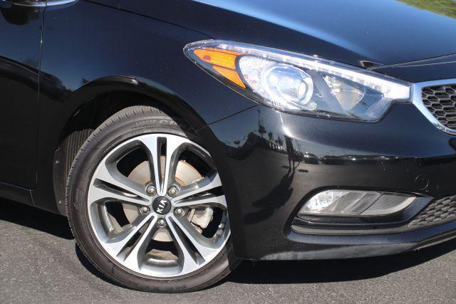 2016 Kia FORTE Hatchback EX