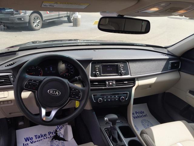 2016 Kia Optima 4dr Sdn LX