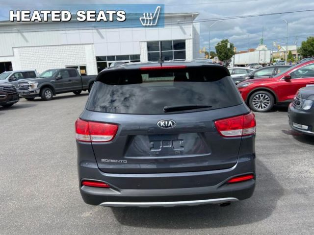 2016 Kia Sorento EX  - Trade-in - 3rd Row - Back Up Camera - $143 B/W