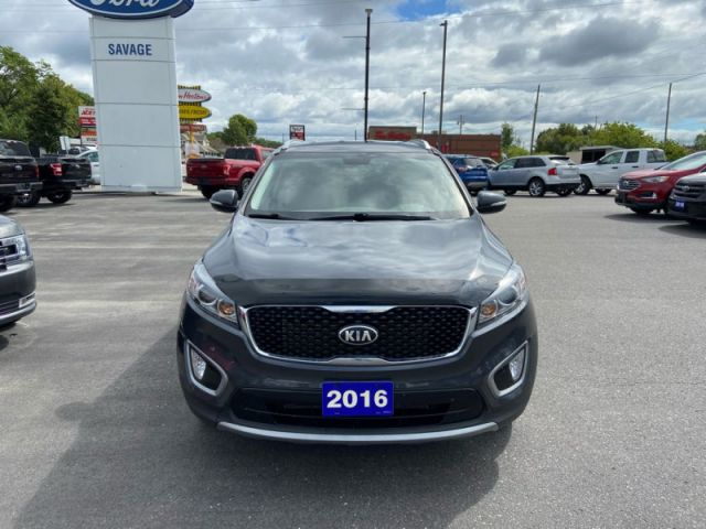 2016 Kia Sorento EX  - Trade-in - 3rd Row - Back Up Camera - $140 B/W