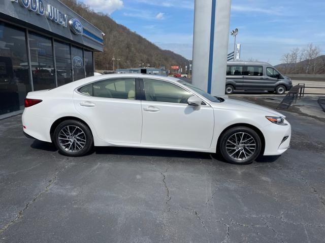 2016 Lexus ES 350 4dr Sdn