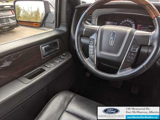 2016 Lincoln Navigator Reserve  |3.5L|Rem Start|Nav|Moonroof|2nd Row Console