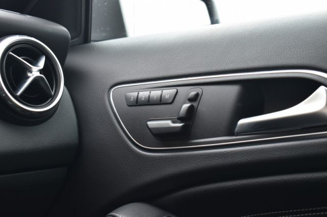 2016 Mercedes Benz GLA 250 4MATIC  | AWD | LEATHER |