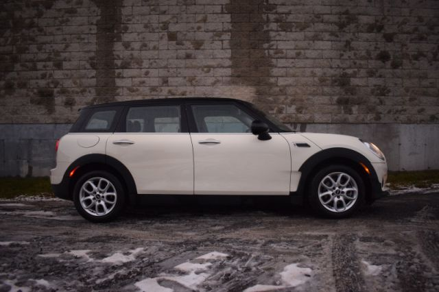 2016 MINI Cooper Clubman Base  MANUAL | LEATHER