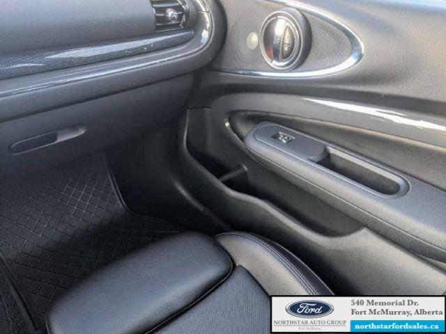 2016 MINI Cooper Clubman S  |2.0L|Panoramic Sunroof|Heated Seats