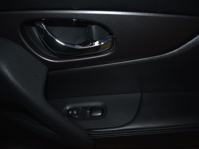 2016 Nissan Rogue S * LOW KMS * BACK UP CAMERA *