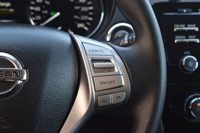 2016 Nissan Rogue SV    BACK UP CAM   HEATED SEATS  